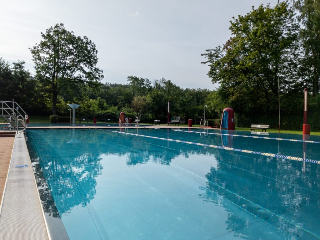 Schwimmbecken Freibad Friedrichsthal